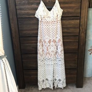 Wayf- White and nude lace maxi dress size XS
